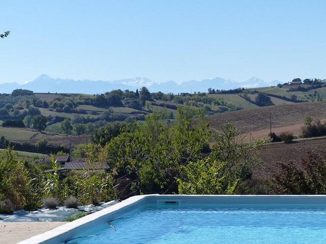 G tes cologiques avec piscine et vue sur les pyr n es - Gite pyrenees orientales avec piscine ...